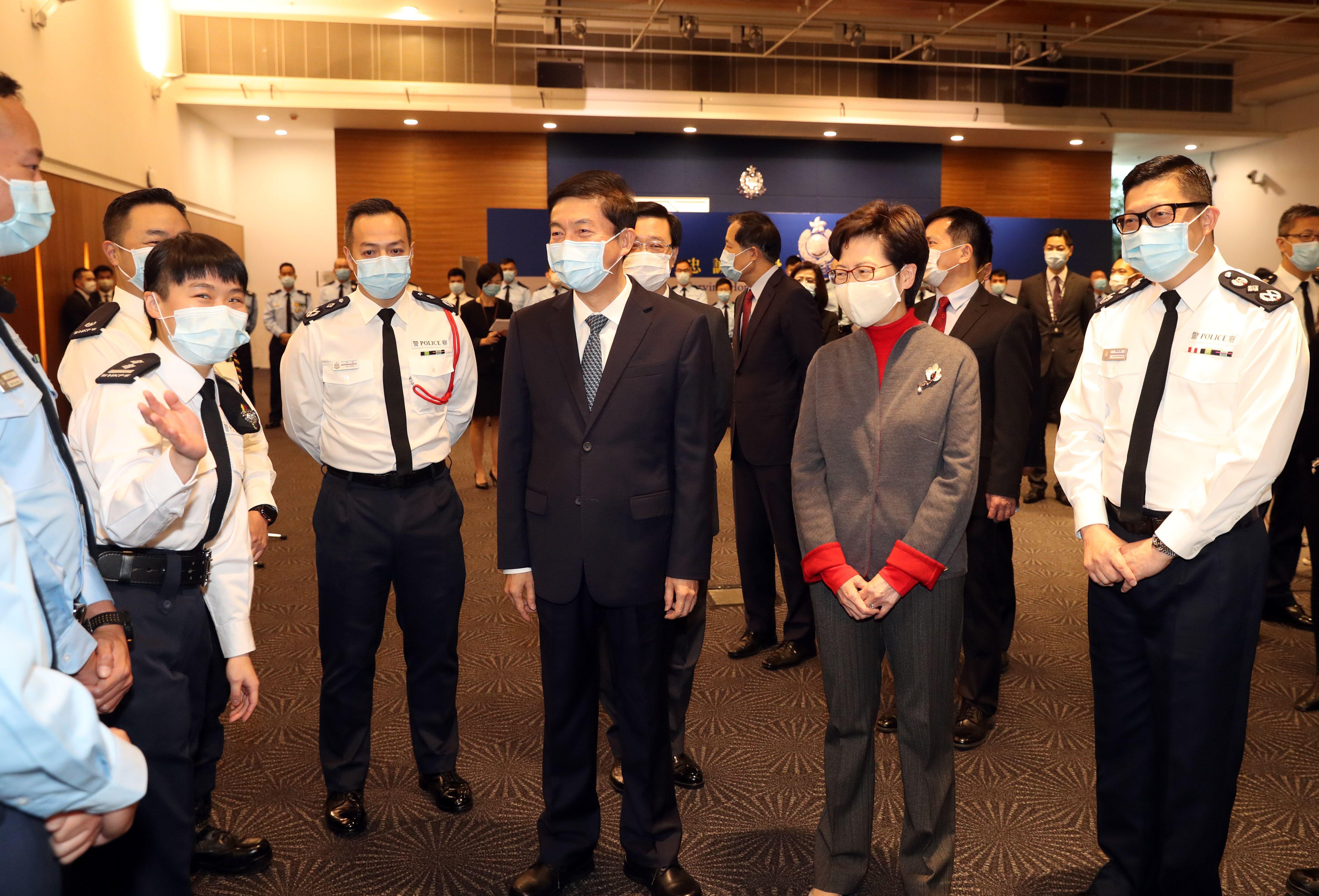 骆惠宁新春慰问香港警队